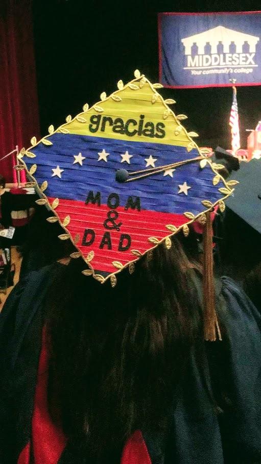 Orgullo venezolano: la esperanza en un birrete
